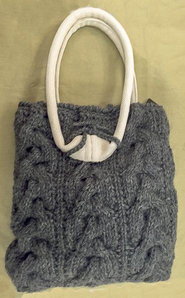 手編みトートバック